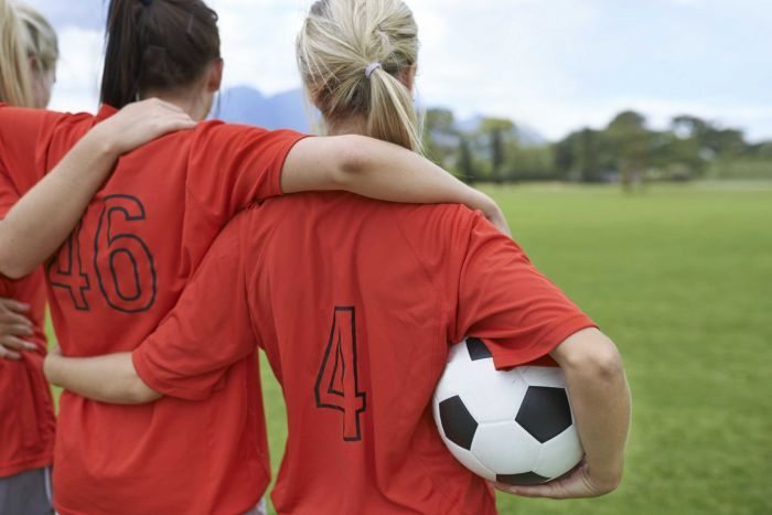 IMAGE: WOMEN FOOTBALLERS READY TO PLAY (GETTY IMAGES)